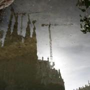 Sagrada Familia. rozbuchana nie do ogarnięcia, zredukowana w sadzawce.